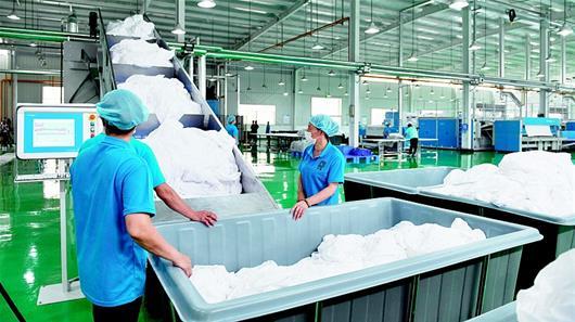 武汉首个绿色ballbet贝博足彩西甲基地投入运营 ballbet贝博足彩西甲液采用无磷、无害产品